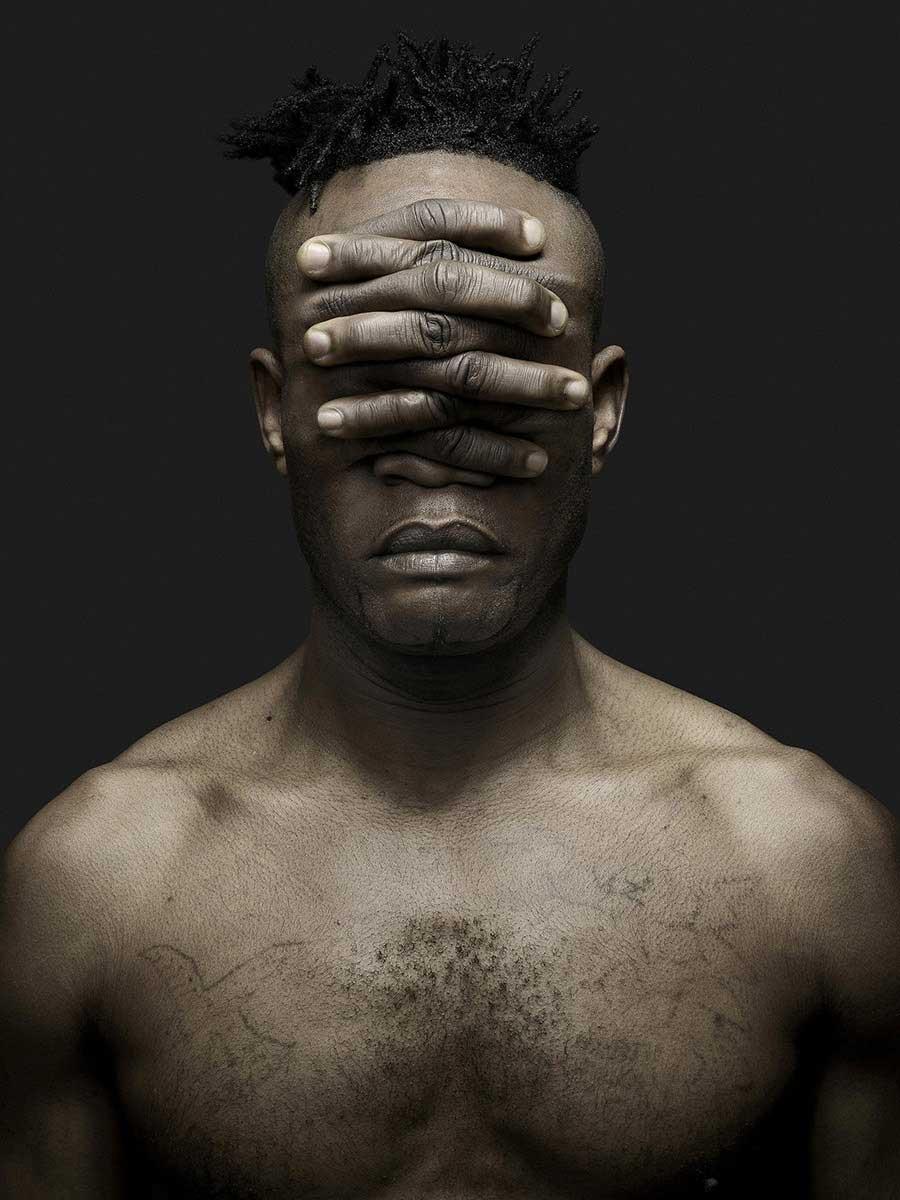 Patou | Ô les mains | Jeffrey Vanhoutte