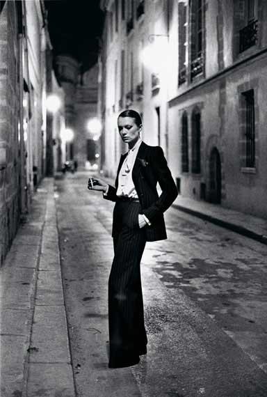 Helmut Newton: French Vogue, Rue Aubroit, Paris 1975 © Helmut Newton Estate