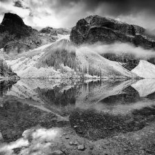 Moraine-lake-reflections