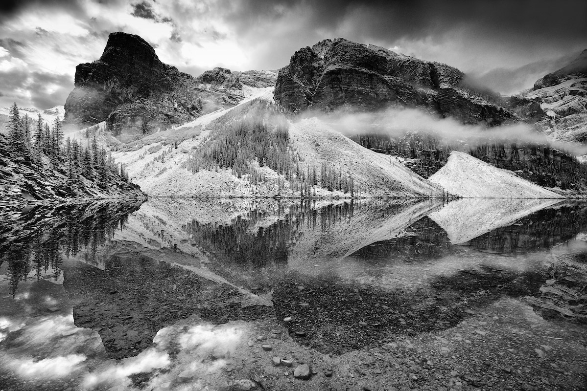 Moraine-lake-reflections