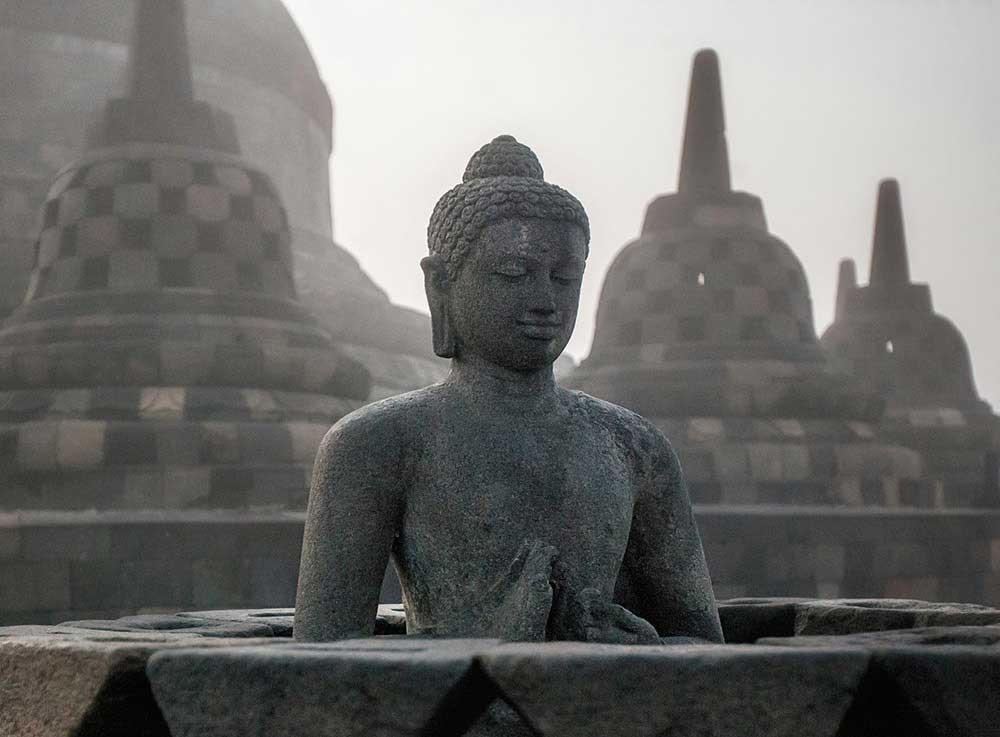 Sacred destinations : Borobudur | Aga Szydlik