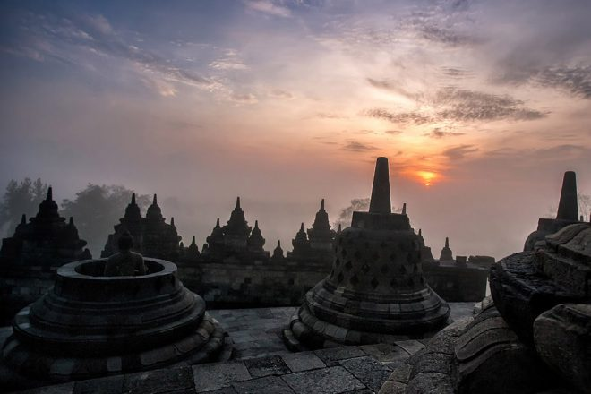 Sacred destinations : Borobudur by Aga Szydlik