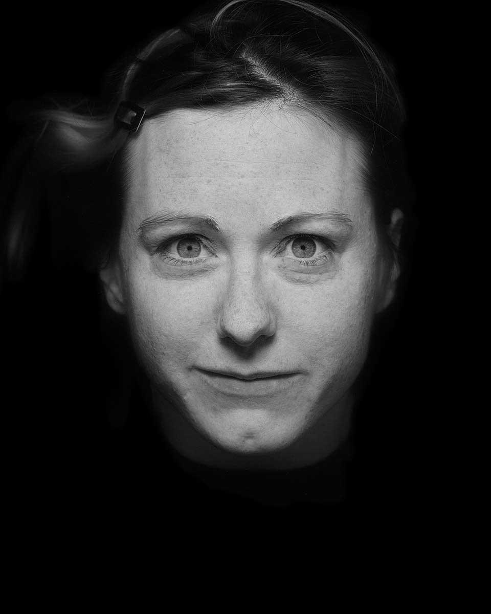 Corinne   Suspension   Damien Berney
