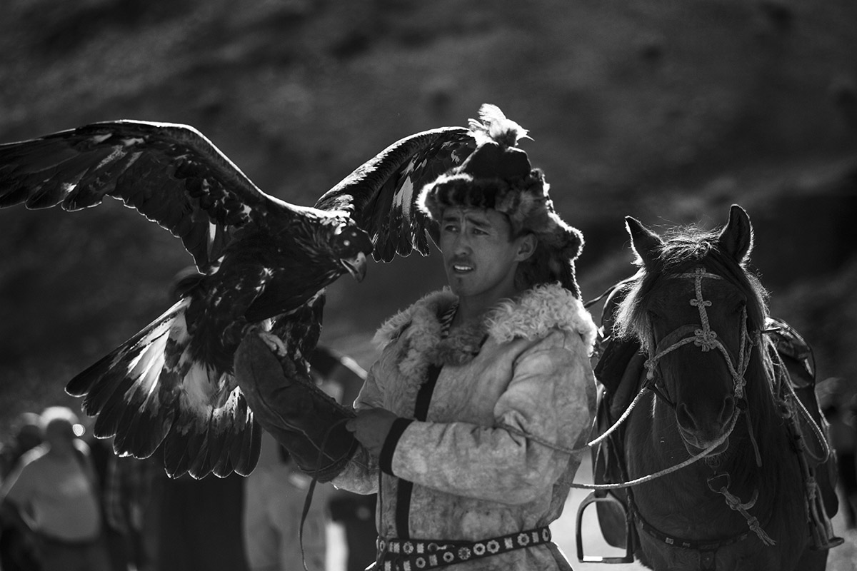 KAZHAK-EAGLE-HUNTER-&-GOLDEN-EAGLE-FESTIVAL--13
