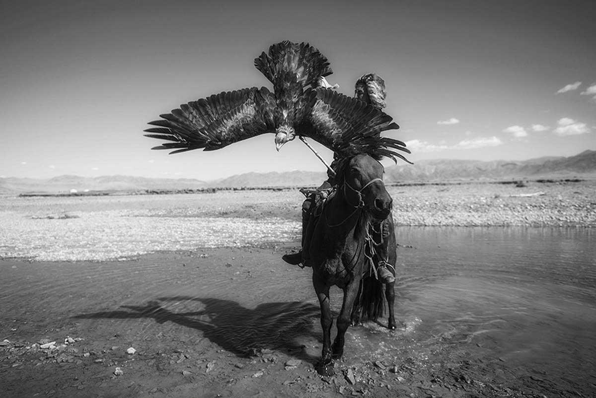KAZHAK-EAGLE-HUNTER-&-GOLDEN-EAGLE-FESTIVAL--7