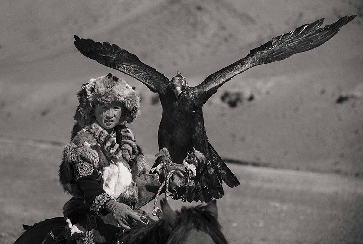 KAZHAK-EAGLE-HUNTER-&-GOLDEN-EAGLE-FESTIVAL--9