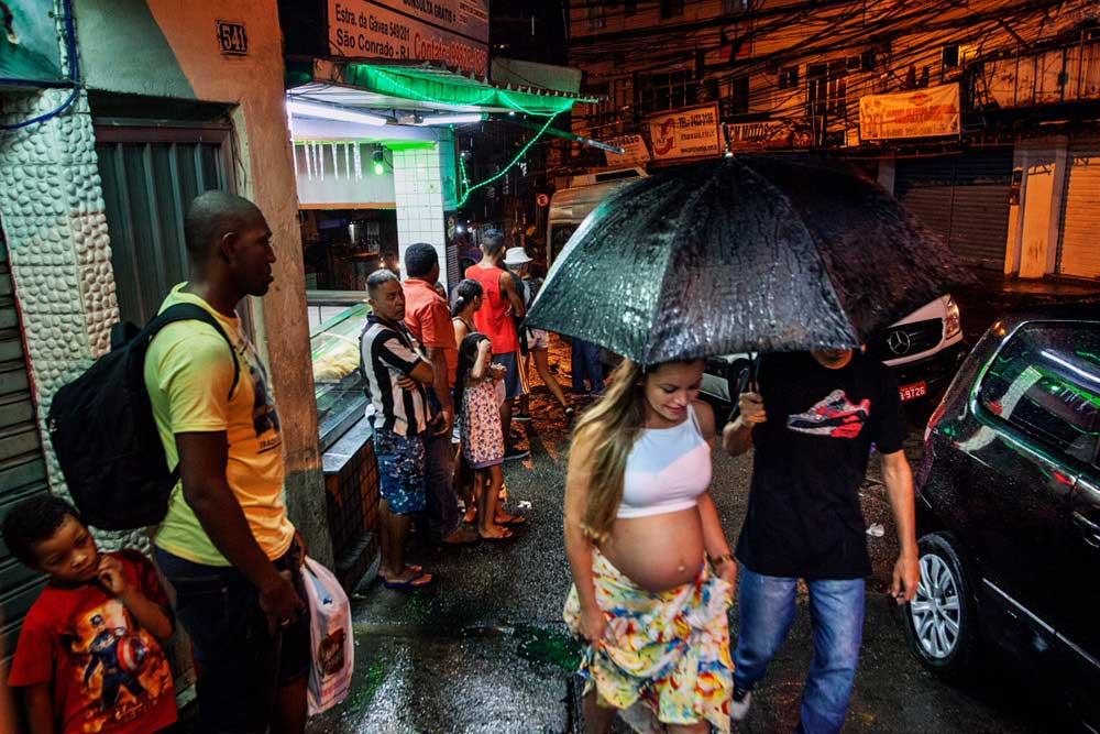 Favelas: the rhythm of change by Albertina d'Urso