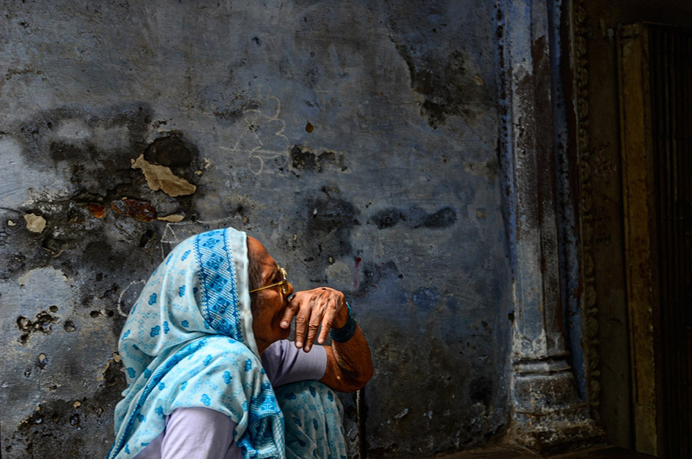 Varanasi Lanes and an affair with life by Abhijit Bose