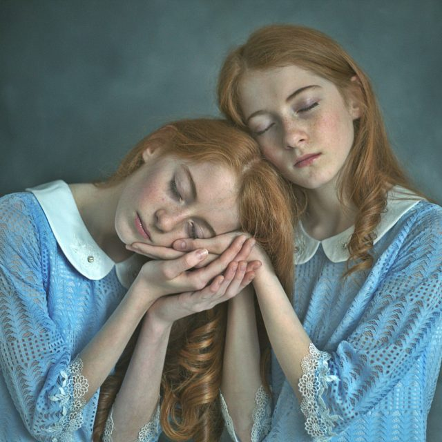 Leah and Chloe ; Identical twins by Zuzu Valla