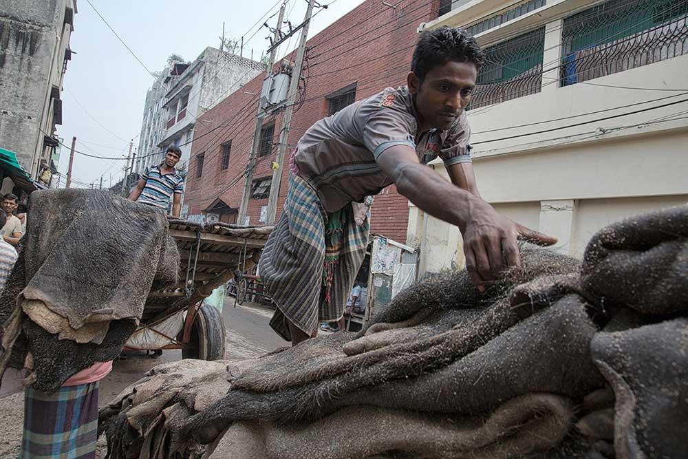Leather's factories in Bangladesh by Erberto Zani