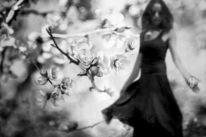 Dans le silence d'une rêverie by Carmelita Iezzi