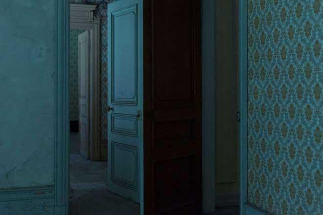 Huis clos by Kathleen Meier