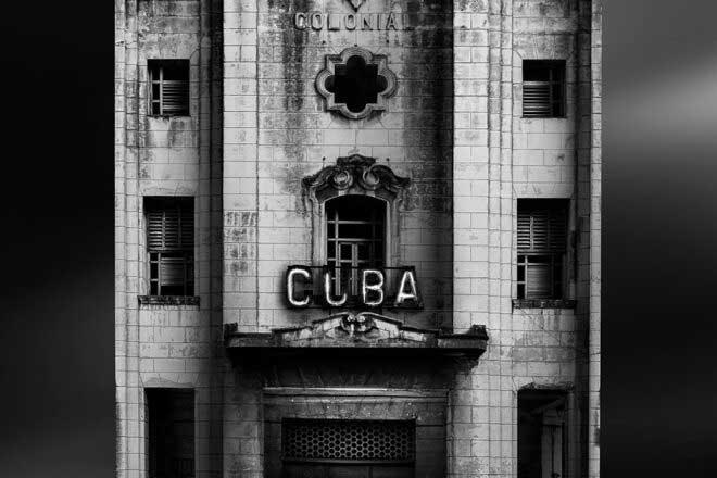 Havana Stands by Daniel Garay Arango