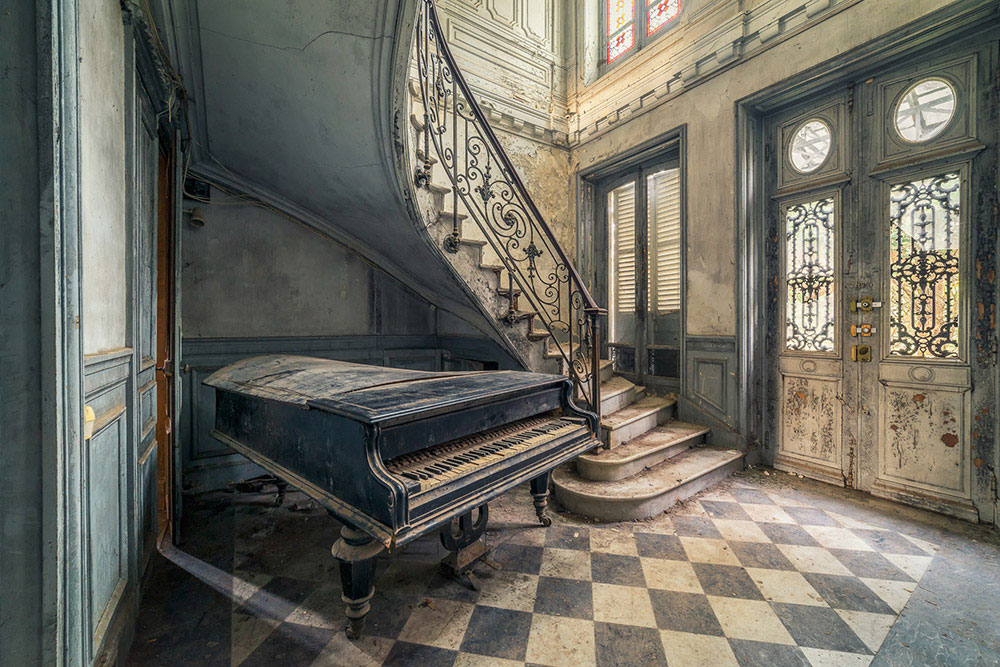 The beauty of decay by Michael Schwan