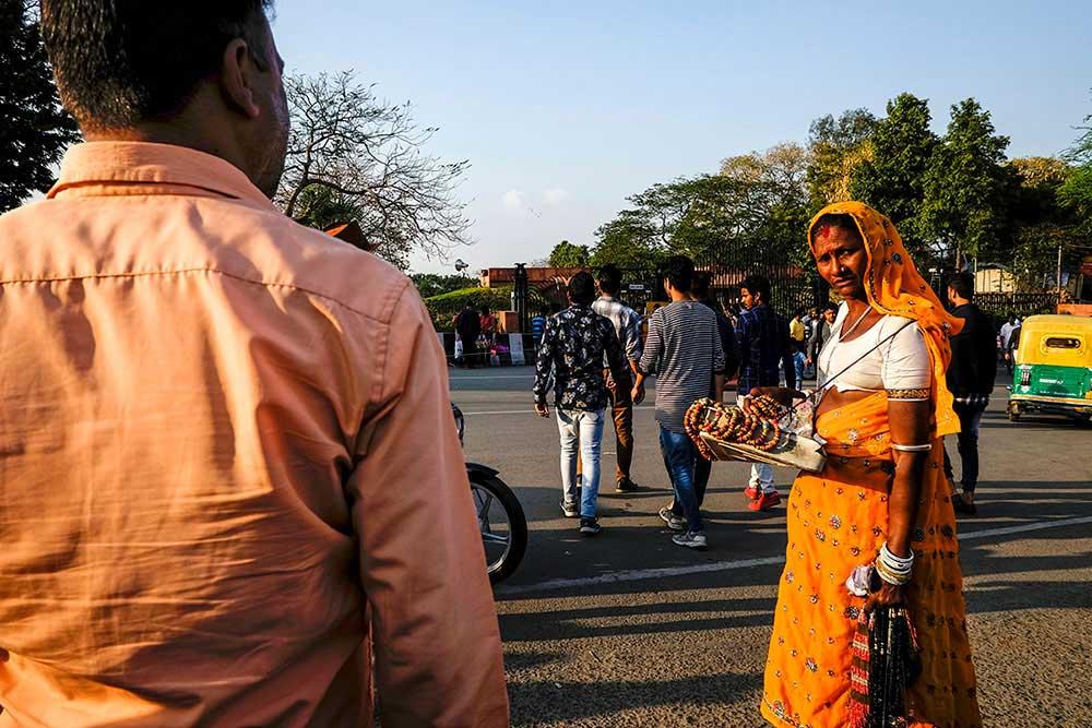 Delhi - A City Brimming with Life | Amlan Sanyal