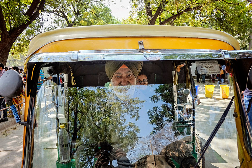 Delhi – A City Brimming with Life by Amlan Sanyal