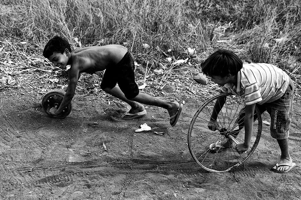 Playing race, Cachoeira indigenous village
