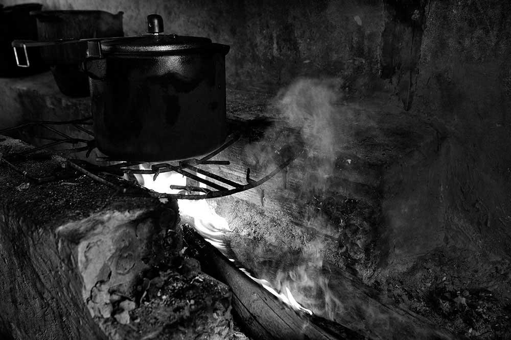 Wood burning stove, Catinguinhaindigenous village