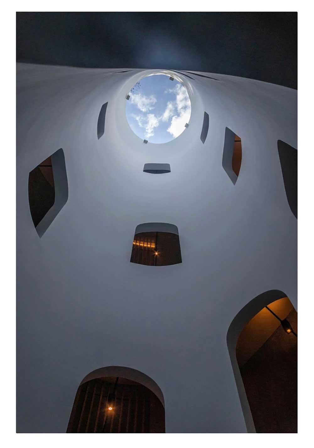 Euphoria Retreat light well by Deca Architecture, Mystras, Corley Kotler