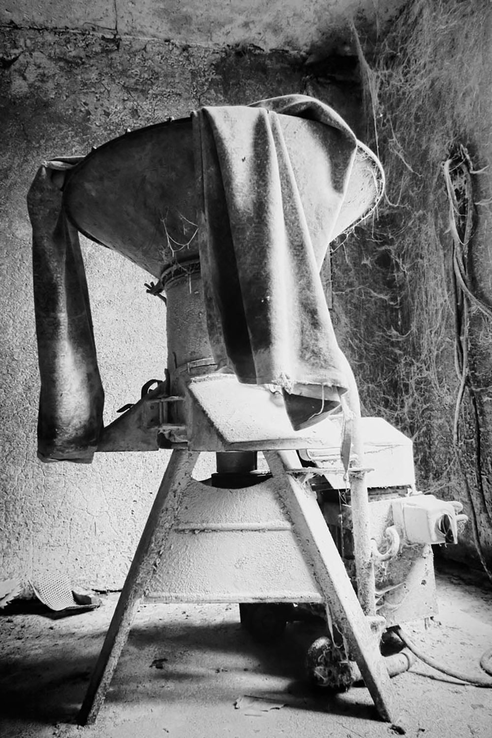 Abandoned places | Justyna Mikina