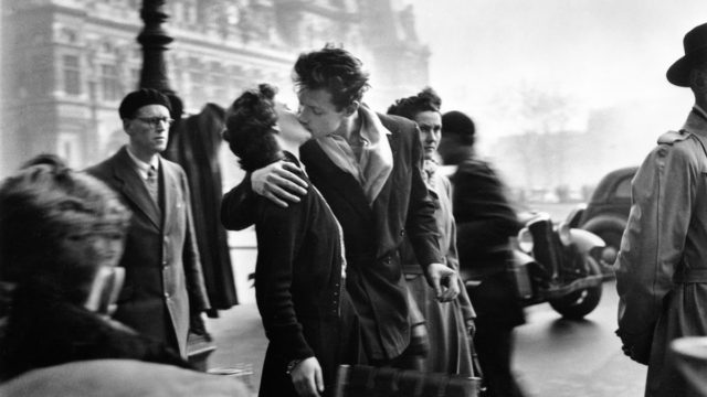 Kiss by the Hôtel de Ville: The second in which Robert Doisneau immortalized love