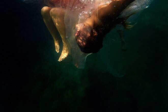 Human Waste III by Beatriz Glez Sa